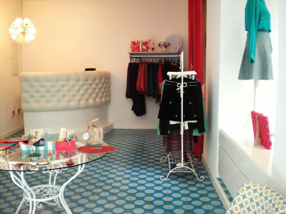 Interior y escaparate tienda