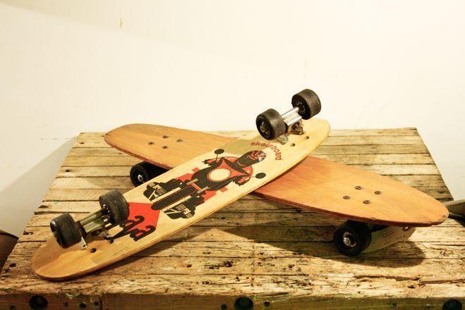 Monopatín de madera