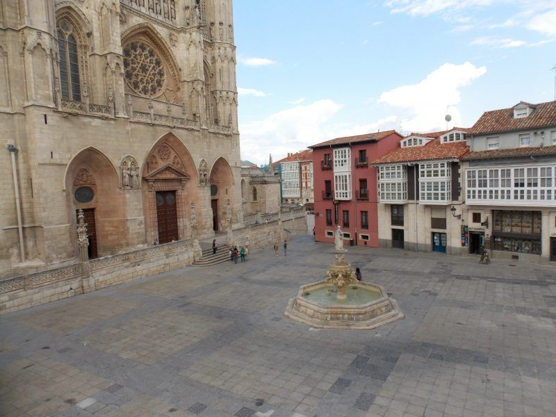 Plaza de Santa María, Catedral