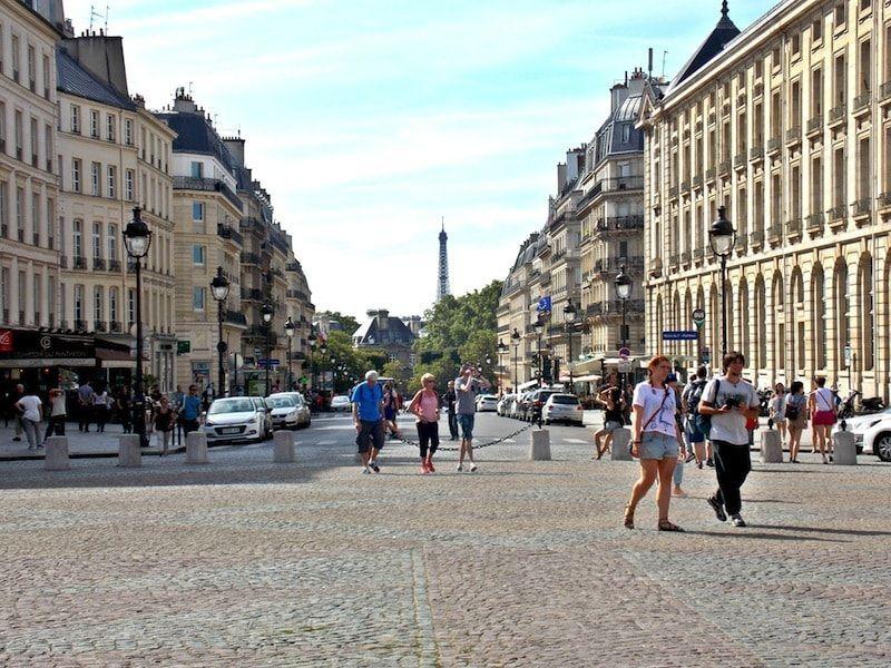 Plaza del Panteón en París