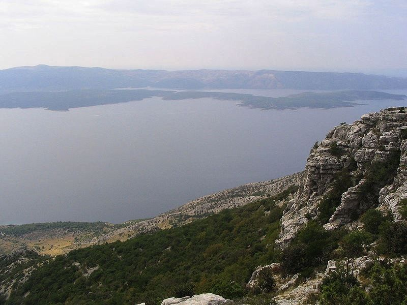 Vistas desde Vidora Gora en la isla de Brac