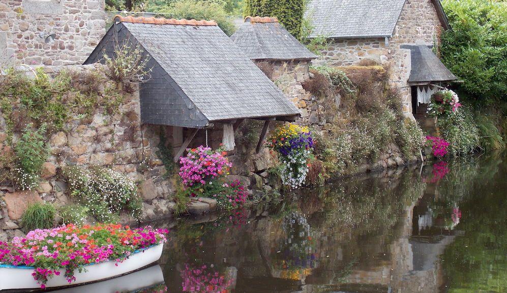Canal con lavadero en Bretaña