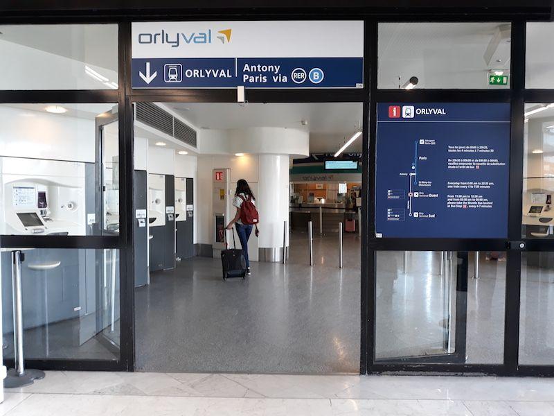 dónde coger el orlyval en el aeropuerto Orly París