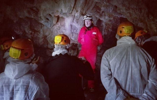 La cueva del Rei Cintolo en Mondoñedo interior de la cueva