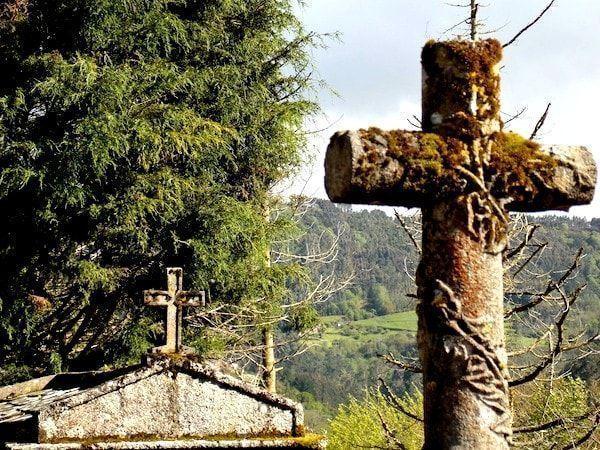 ruta por Mondoñedo a su paso por el cementerio