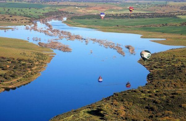 experiencias eco chic en Alentejo volar en globo