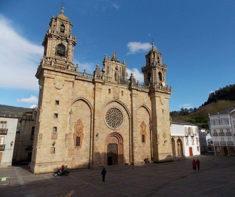 La catedral arrodillada de Mondoñedo