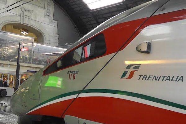 Tren para ir del aeropuerto de Turín al centro
