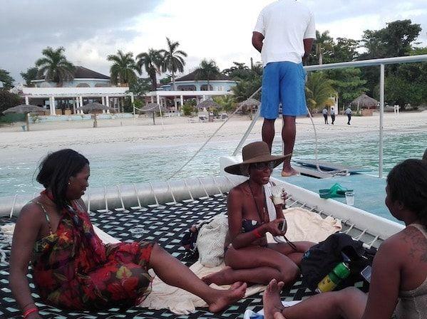 Catamarán por la costa oeste de Jamaica