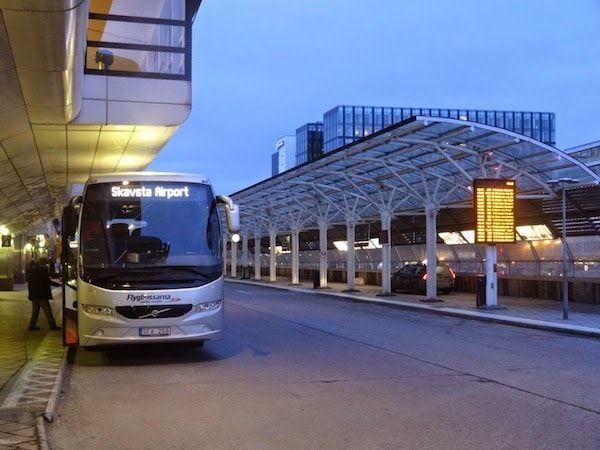 Bus desde el aeropuerto de skavasta