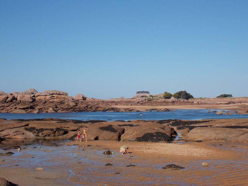 playas de Bretaña en la costa de granito rosa