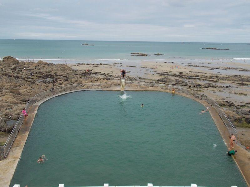 piscina de la costa norte de Bretaña
