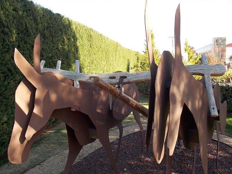 mulas, escultura