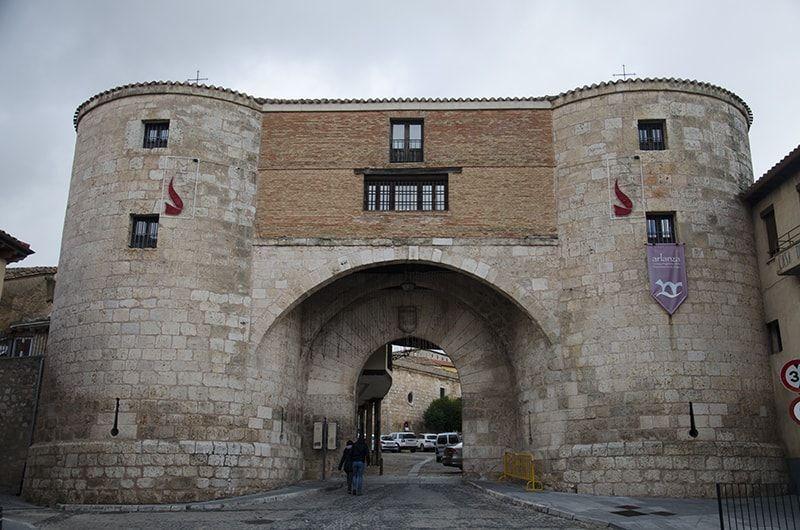 Puerta de entrada a Lerma