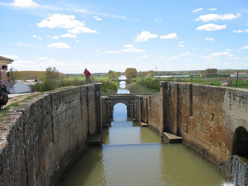 Escula en el canal