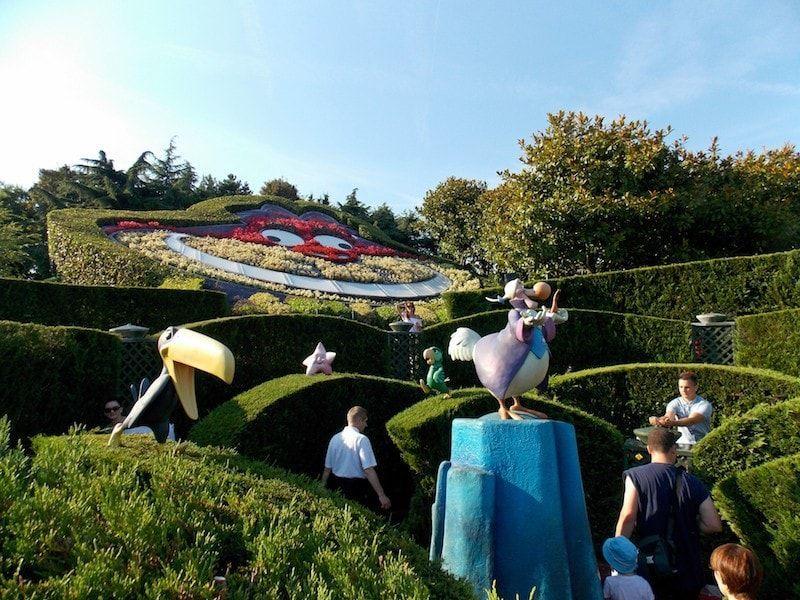 Comprar entradas Disneyland para recorrer el laberinto de Alicia