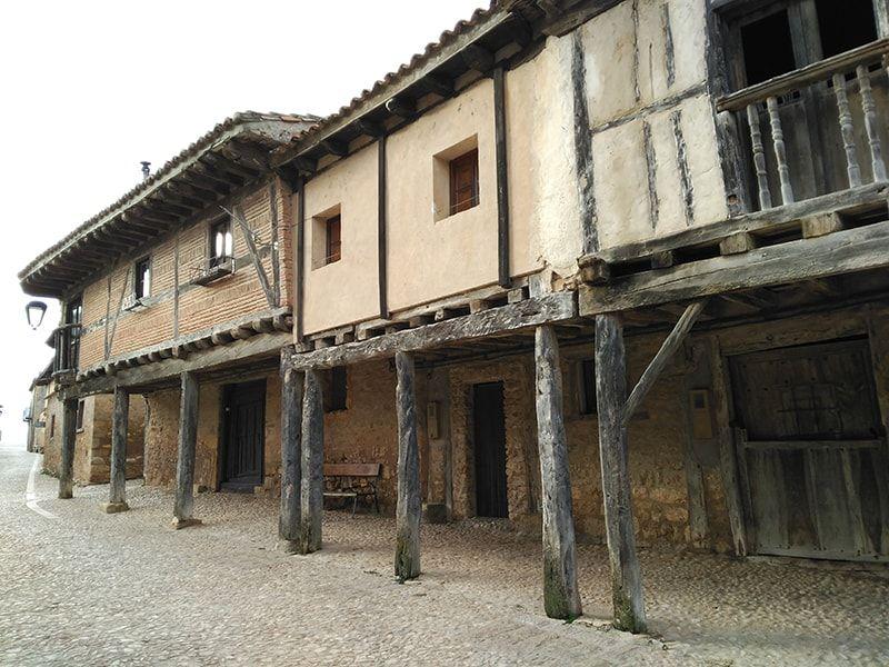 Casas de madera y adobe