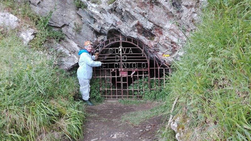 Viajar a Galicia para visitar alguna de sus cuevas