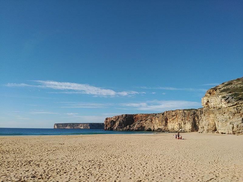 Playas y acantilados en un recorrido por Algarve