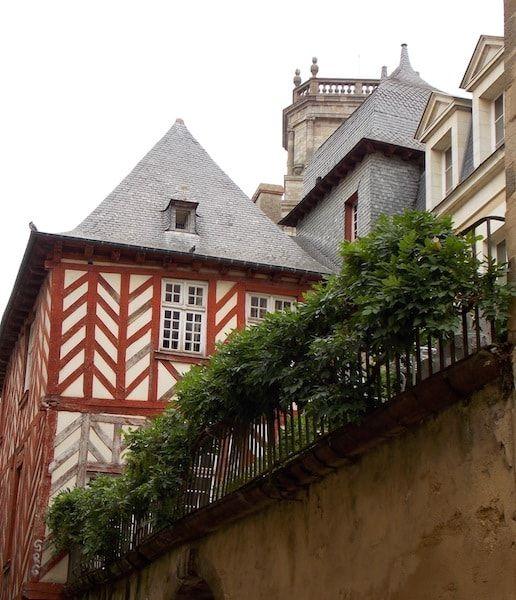 Recorrido por las calles de Rennes con las mejores casas de madera