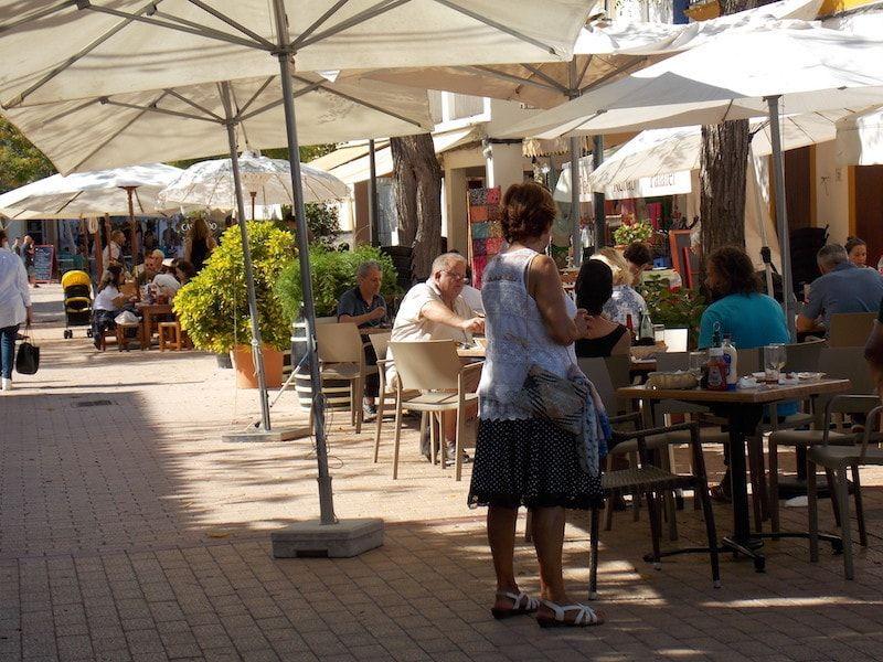 Hora del vermú en Santa Getrudis en Ibiza