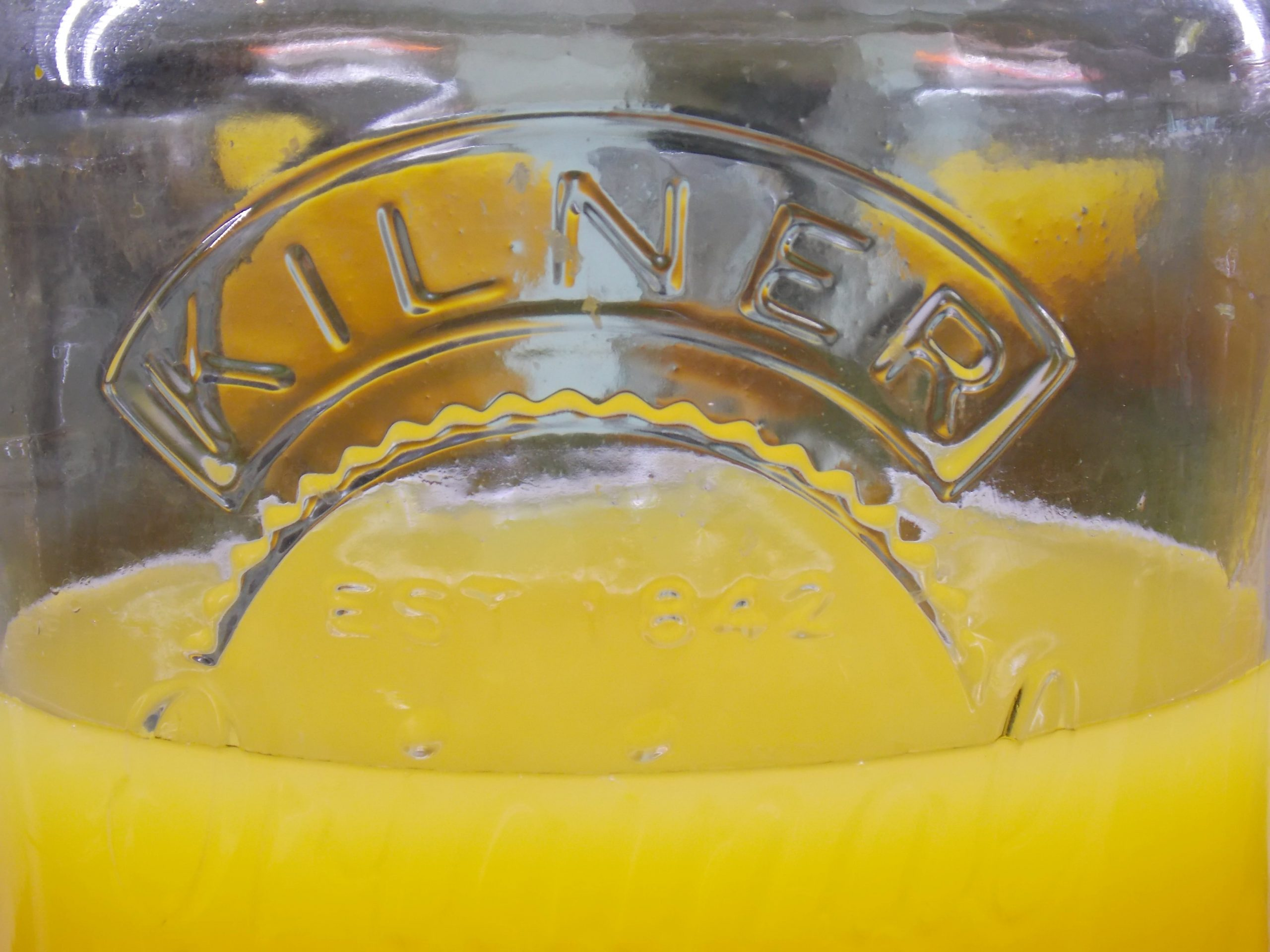 Deayunar zumo de naranja en Ibiza