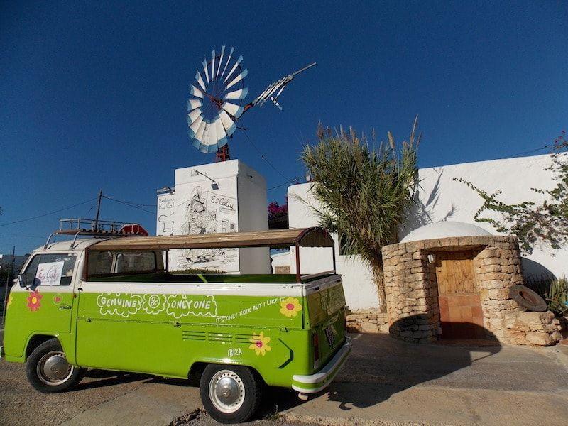 Comer en una masia tradicional en Ibiza
