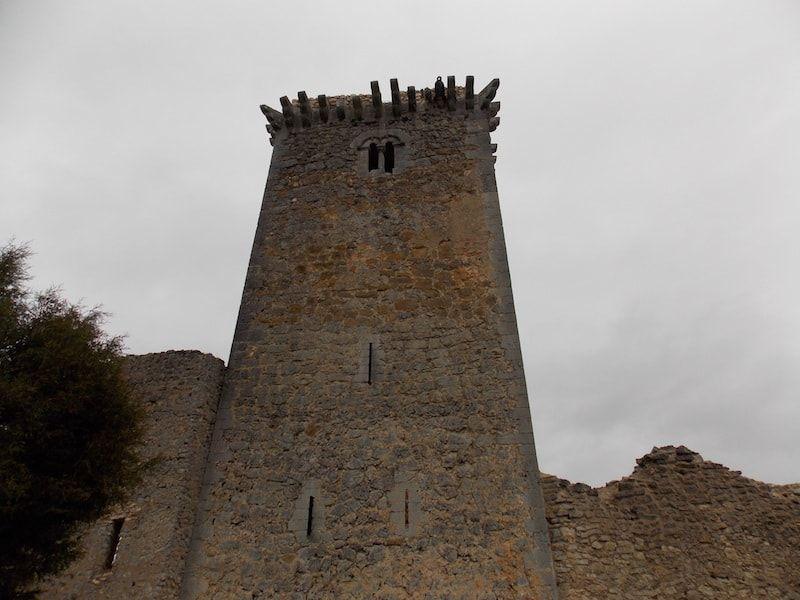 Ucero y su castillo en Cañón de Río Lobos