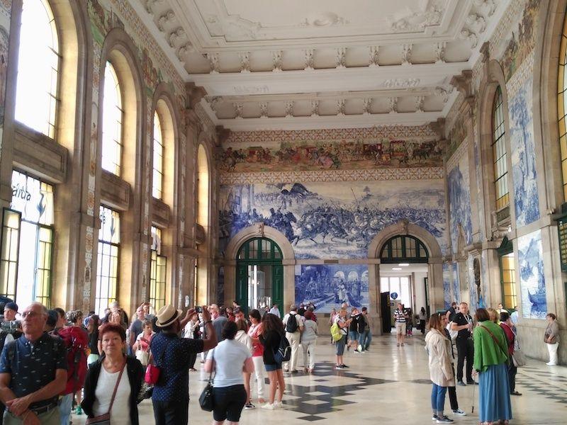 La historia de Porto en la estación de San Bento
