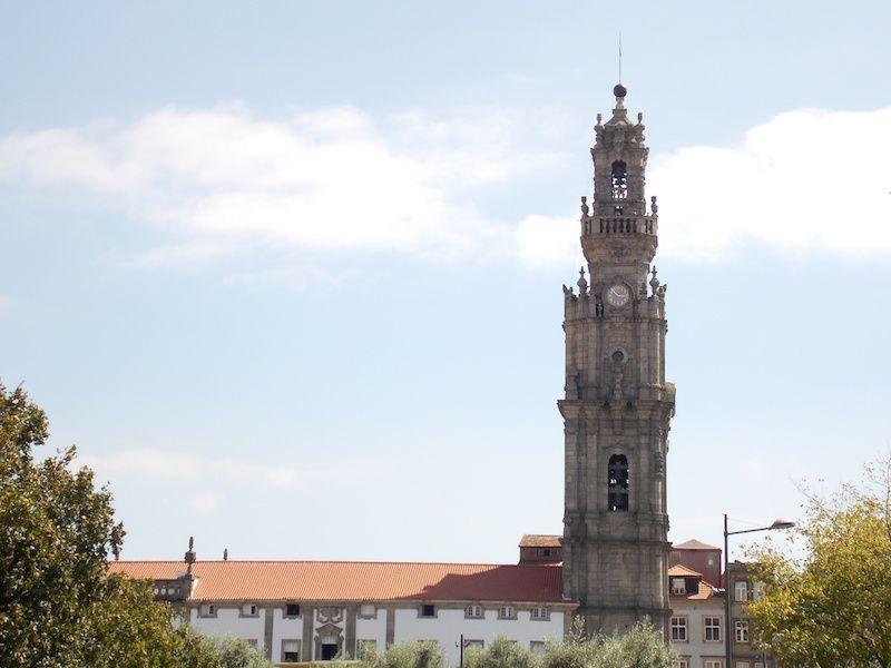 Subir a los clérigos en Porto