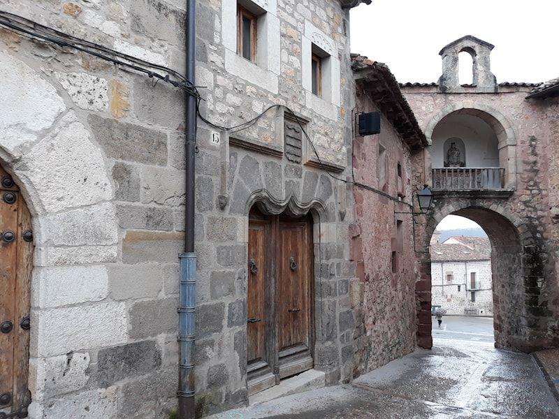 Portal mayor en Sigüenza