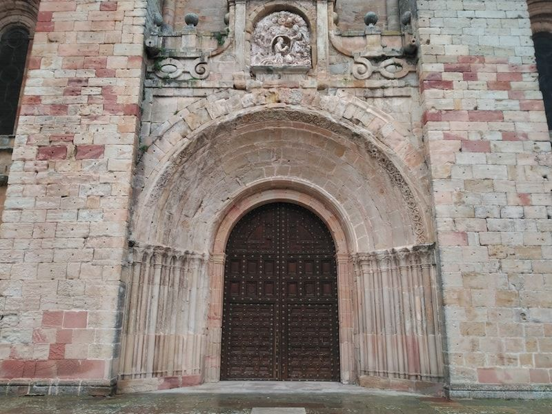 Portada románica Singüenza