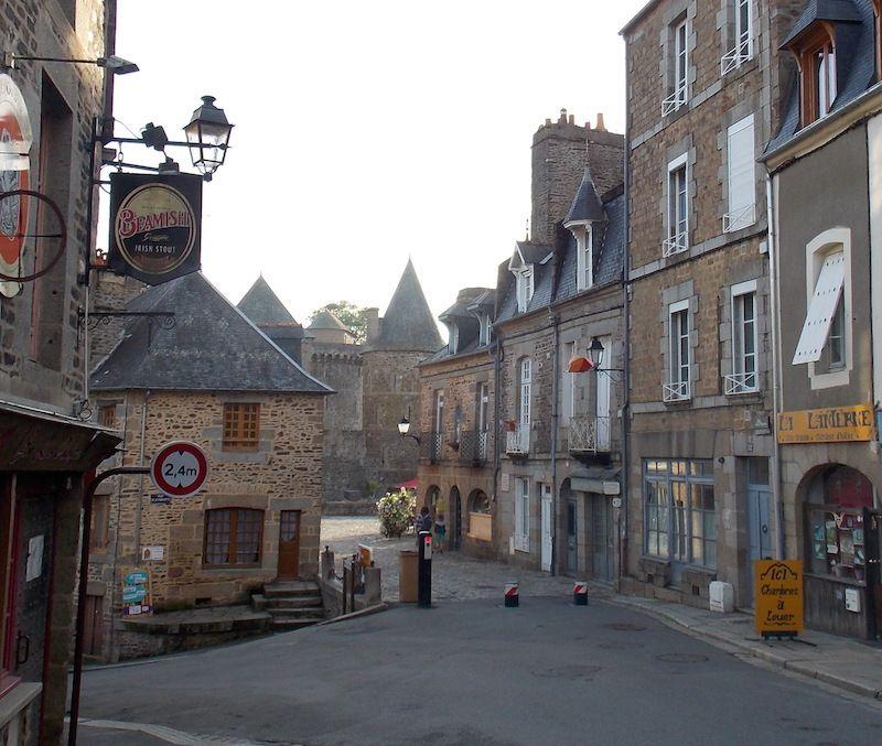 Calles medievales Fougères cerca de Rennes