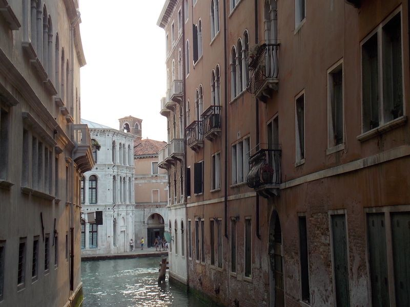 Viajar a Venecia para perderse por los canales