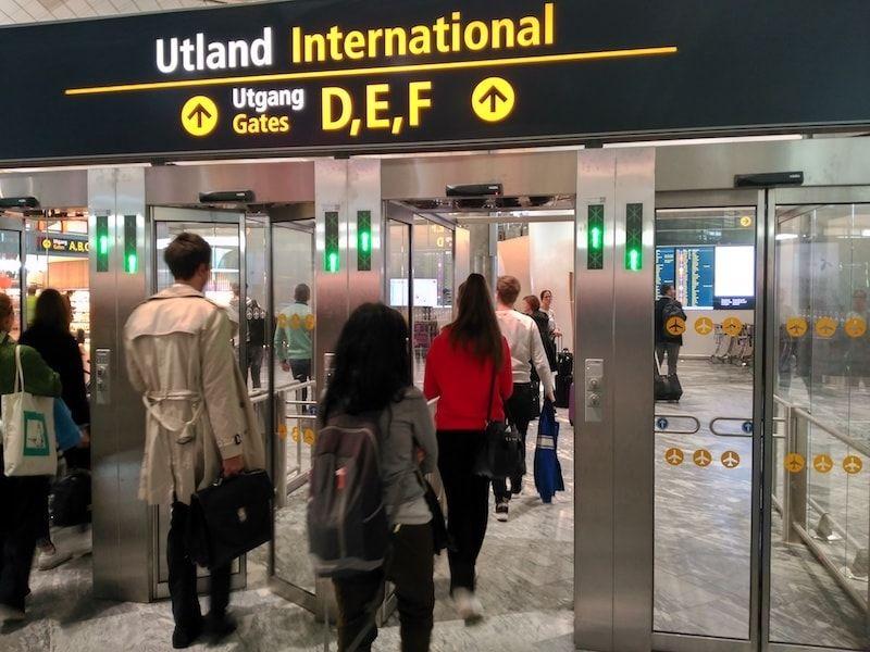 Zona de embarque aeropuerto oslo