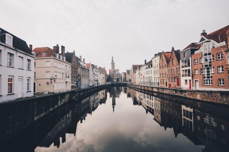 Ciudad medieval cerca de Bruselas