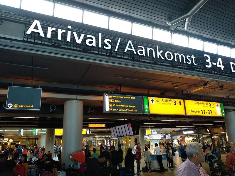 llegadas del aeropuerto de Ámsterdam