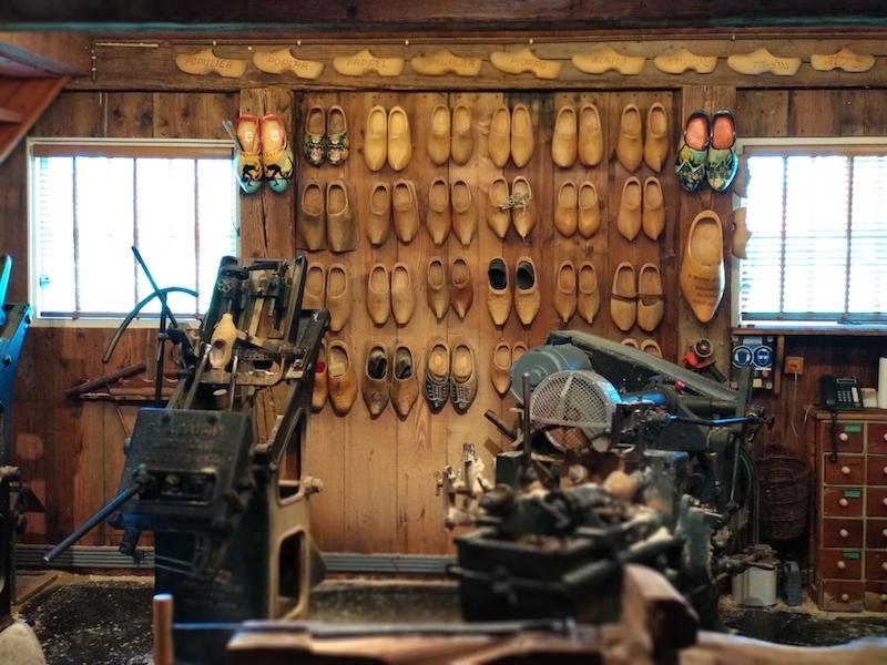 Visitar molinos en Holanda para ver elaboración de zuecos