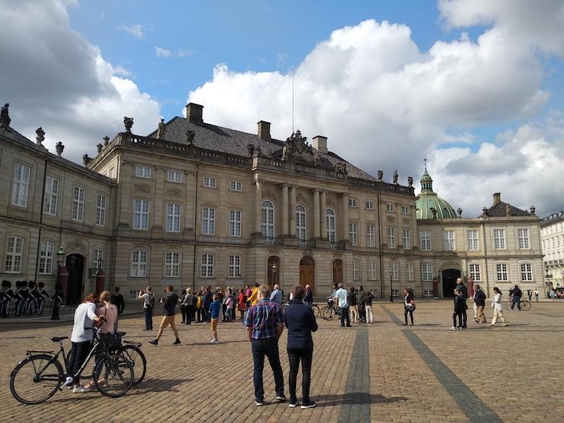 Un día en Copenhague en las plazas del centro