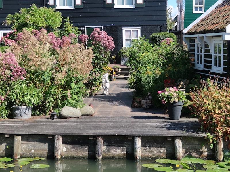 jardines de los pueblos más bonitos de Holanda