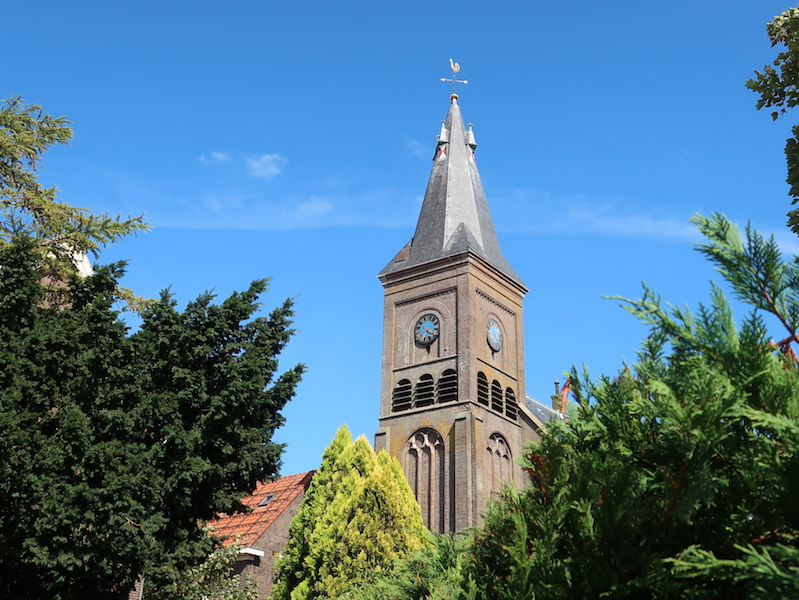 pueblos más bonitos de Holanda con iglesias