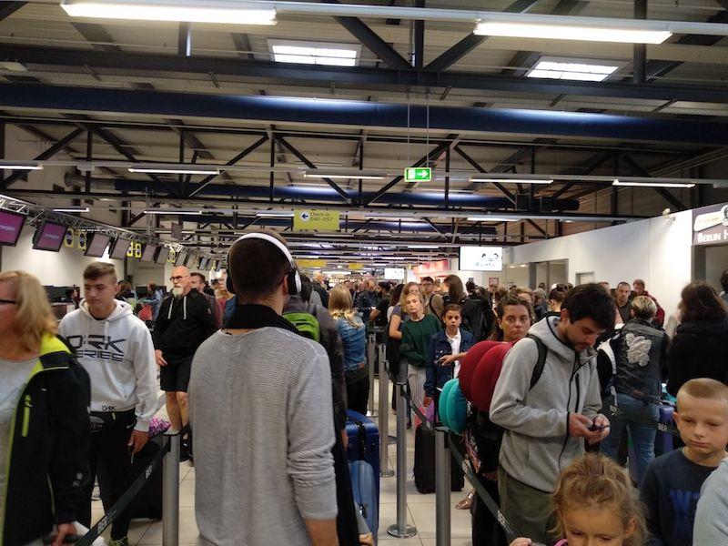 terminal ryanair berlin schönefeld