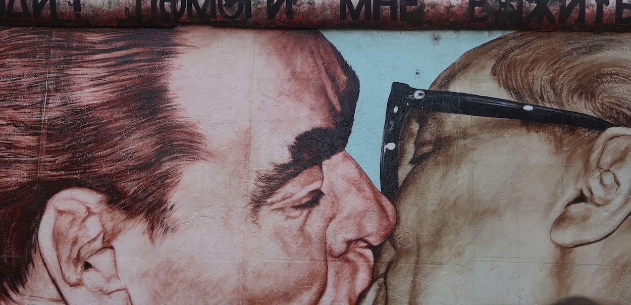 ruta por el muro de Berlin para ver el beso