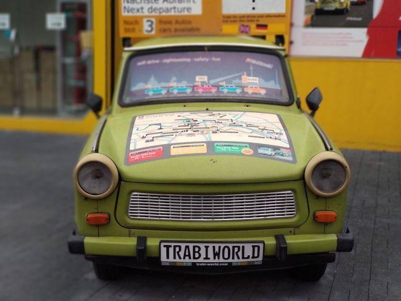 Ruta por el Muro de Berlín y los coches comunistas