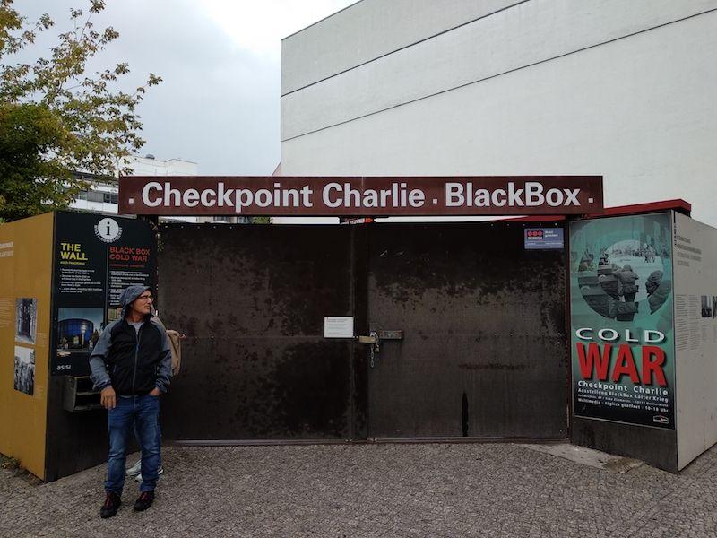 Ruta por el Muro de Berlín y checkpoint Charlie museo