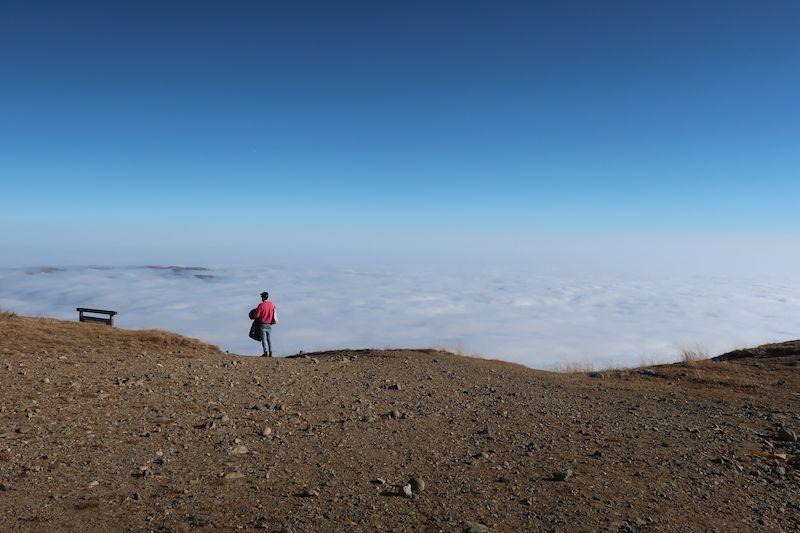 Nubes en las cumbres de Sinaia
