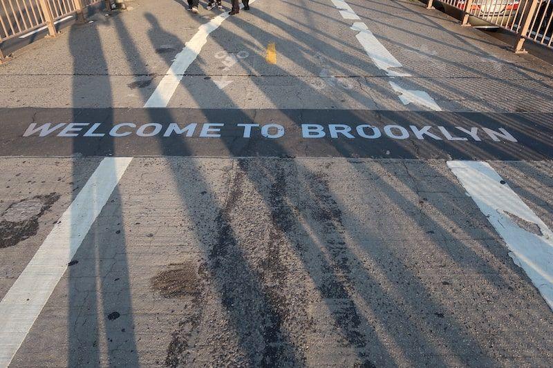 Entrada por el puente de Brooklyn