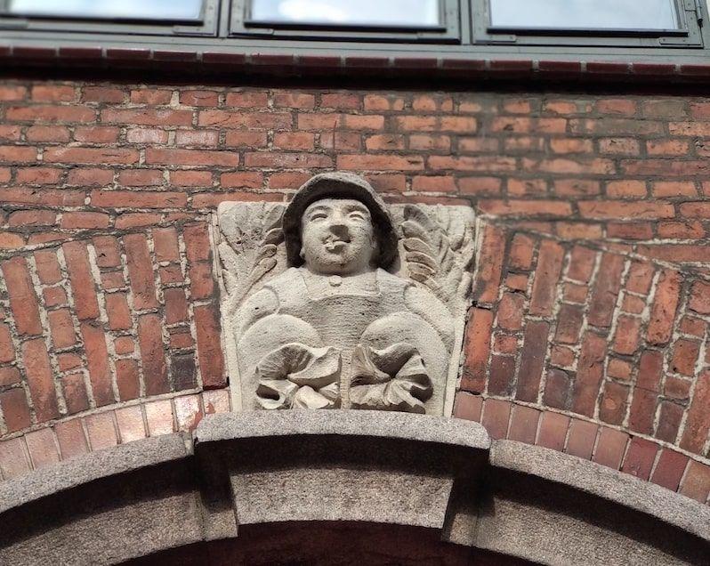 Subir a la torre redonda de Copenhague