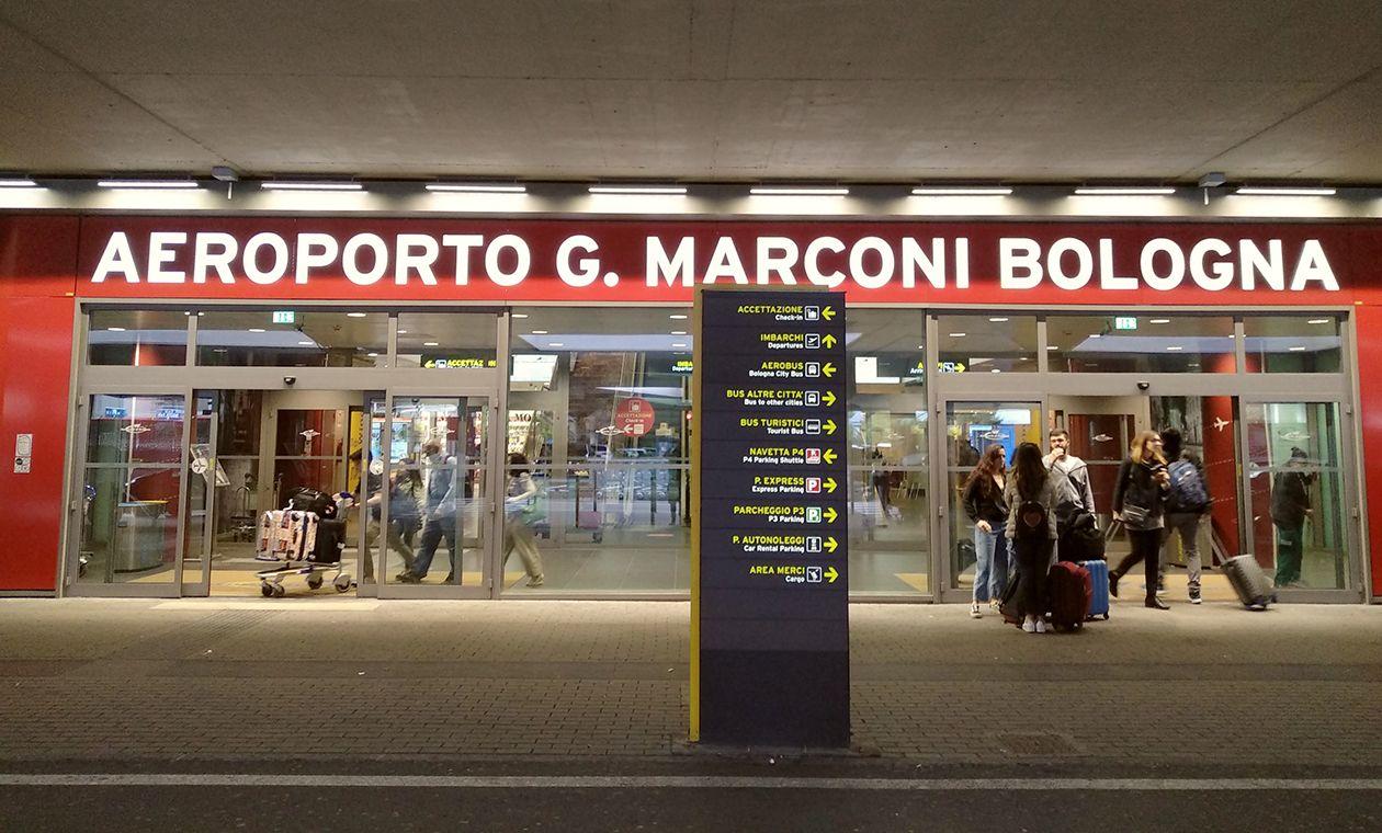 Cómo ir del aeropuerto de Bolonia al centro