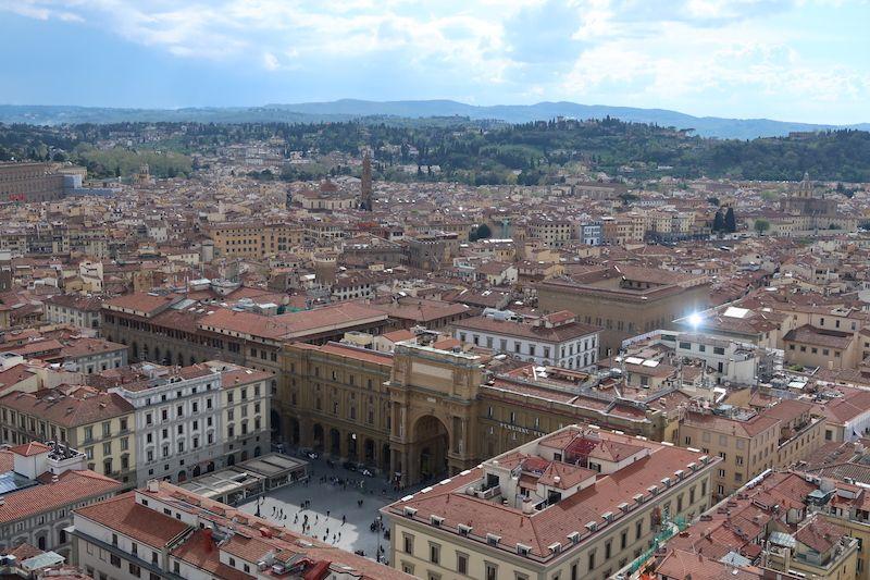 dónde está la plaza de la República en Florencia